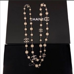 Chanel 5 Crystals CC pearl necklace